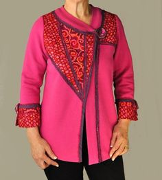 The Living Well Jacket Pattern is one sewing pattern with two unique center front designs. The Swirl Jacket features an added underlap, and the Wedge Jacket is Quilted Sweatshirt Jacket, Quilted Jacket, Sweatshirt Makeover, Sweatshirt Refashion, Sweatshirt Jackets Diy, Creation Couture, Coordinating Fabrics, Jacket Pattern, Sewing Clothes