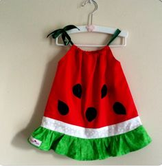 Super sweet Watermelon dress by RayleighJade on Etsy~ This super sweet watermelon dress will grow with her! Wear now as a dress and later as a top Personalize it! Make it a little sweeter byThis vintage summer watermelon dress is perfect for hot summ Vintage Girls Dresses, Little Girl Dresses, Watermelon Dress, Sweet Watermelon, Diy Vetement, Baby Sewing, Dress Patterns, Baby Dress, Kids Outfits