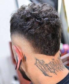 Mens Haircuts Straight Hair, Men Haircut Curly Hair, Wavy Hair Men, Cool Mens Haircuts, Curly Hair Cuts, Boy Braids Hairstyles, Faux Hawk Hairstyles, Mens Hairstyles Fade, Hairstyles Haircuts
