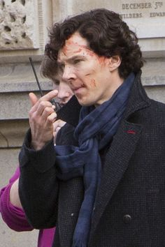 Warning: about a million setlock pics coming your way. Click through for Zimbio's coverage of the set.