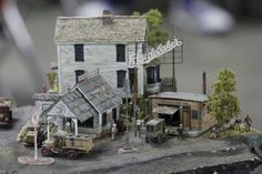 train diorama - Buscar con Google