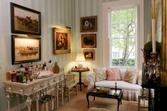 Belclaire House: Southern Charm.  Mario Buatta.
