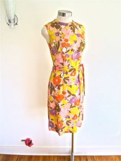 Sz. M-L, 60s Floral Print Linen Sheath Orange Pink Purple Mid Century Mad Men Summer Mod
