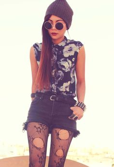 #grunge #floral #shirt #distressed #shorts #ripped #tights