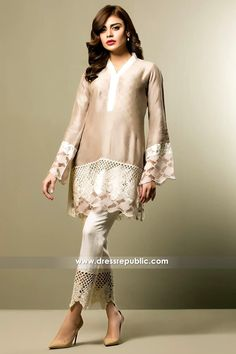 Sania Maskatiya Kurti 2017 UK Online Buy at Black Friday Sale at Dress Republic Fashion Store for Women Party Wear and Casual Wear Dresses. Stylish Dresses, Casual Dresses, Fashion Dresses, Pakistani Dress Design, Pakistani Outfits, Style Indien, Embroidery Suits, Vestidos Vintage, Festival Dress