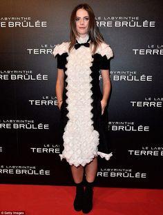 Nice Red Carpet Fashion Kaya Scodelario suffers fashion fail in odd dress at movie premiere Check more at http://24myshop.tk/my-desires/red-carpet-fashion-kaya-scodelario-suffers-fashion-fail-in-odd-dress-at-movie-premiere/