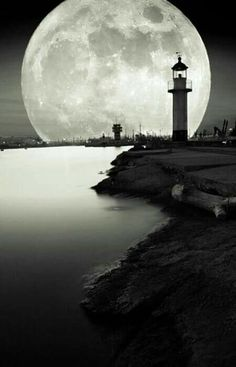 Lighthouse by moonlight Beautiful Moon, Beautiful World, Beautiful Places, Beautiful Pictures, Moon Photos, Moon Pictures, Stars Night, Shoot The Moon, Night Skies