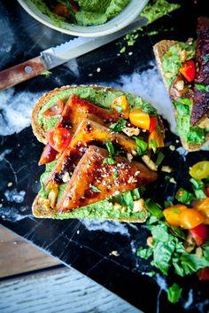 MARINATED TOFU with WALNUT PESTO + TOMATOES on SPROUTED TOAST // #vegan #thisrawsomeveganlife