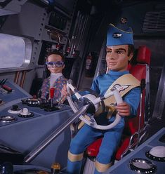 1968 'Virgil Tracy' and 'Brains' pictured in a scene from the television series 'Thunderbirds' first broadcast in 1965 Car Tv Shows, Movies And Tv Shows, Best Series, Tv Series, Brain Pictures, Science Fiction, Thunderbirds Are Go, Fritz Lang, Classic Sci Fi