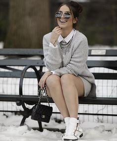 Tendência que virá com tudo em '17 : white boots  fica tão cool e ao mesmo tempo super fashion! Essa é da @lojapaulatorres  ele é suuuuper confortável pois é feito a mão :) demais né? Disponível no site http://ift.tt/1KkDxS1   #winterpaulatorres #paulatorresfashionweek #paulatorres @fhits #fhitsny