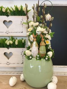 Easter Flower Decorations & Centerpieces that'll spreads the festive charm in the most beautiful way - Hike n Dip, Diy Abschnitt, Easter Flower Arrangements, Flower Centerpieces, Flower Decorations, Floral Arrangements, Easter Plants, Easter Flowers, Easter Tree, Spring Crafts, Fairytale