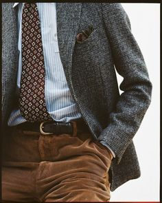 5 Men's Style Trends For 2018 & How To Wear Them 5 Men's Style Trends For 2018 & How To Wear Them brown corduroy pants paired with great patterns and textures. Moda Men, Bon Look, Casual Outfits, Men Casual, Smart Casual, Suit Fashion, Womens Fashion, Looks Style, Men's Style
