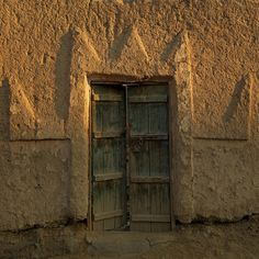 Najran old door - Saudi Arabia Like in many places in KSA, there is still an old town close or inside the modern town