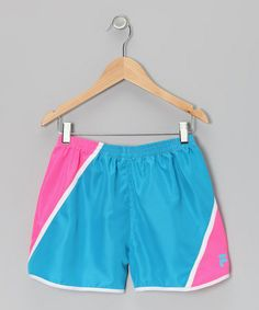 Fit for performance or fashion, this pair comes in a streamlined style that includes a comfy elastic waistband and a brilliantly bright set of colors. Its quality cut and airy material make it a terrific teammate for any activity. Shorts Rosa, Pink Shorts, That Look, Take That, Short Girls, Gym Shorts Womens, Comfy, Pairs, Fitness