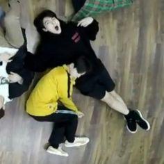 Jimin and Jungkook Jimin Jungkook, Taehyung, Bts Bangtan Boy, Namjin, Boy Scouts, Wattpad, Bts Sleeping, Jikook Gif, Papi