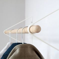 Spring coat rack by Maximilian Schmahl for vonbox. Buy the wall-mounted coat rack made from steel wire and wood in minimalist style, available now online! Clothing Store Interior, Vintage Clothing Stores, Clothing Storage, Diy Outfits, Wall Hangers For Clothes, Diy Clothes, Minimalistic Style, Diy Coat Rack, Coat Racks