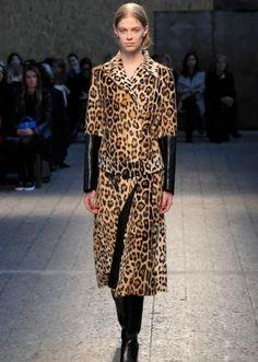 Sportmax autunno inverno 2014 2015  #sportmax #womenswear #abbigliamentodonna #vestiti #clothes #autunnoinverno #autumnwinter #moda2014 #fashion #autunnoinverno20142015 #autumnwinter2015