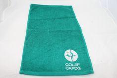Algunos ejemplos de toallas de algodón bordadas con diferentes logos de clientes. Spa