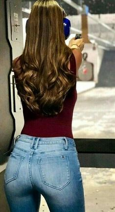 Swans Style is the top online fashion store for women. Shop sexy club dresses, jeans, shoes, bodysuits, skirts and more. Sexy Jeans, Superenge Jeans, Skinny Jeans, Military Girl, Tights Outfit, Girls Jeans, Sexy Hot Girls, Sexy Women, Cute Outfits