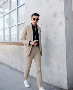 Elegant & Sharp Street Style Looks To Steal From This Influencer How to dress sharp for men.How to dress sharp for men. Korean Fashion Men, Mens Fashion Blog, Mens Fashion Suits, Man Fashion, Fashion Menswear, Fashion Shoes, Fashion Trends, Casual Suit, Men Casual
