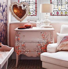 Cute bedside/dressing table for the bedroom #sleep #accessories