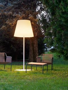 Shop YLighting for modern outdoor floor lamps and the best in outdoor living. Find outdoor floor lamps for your porch or patio from top contemporary designers and brands.