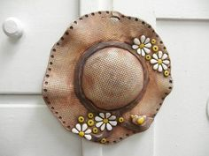 Wholesale caps, bags, and hats delivered blank or with embroidery decoration. Ceramic Pottery, Pottery Art, Pottery Ideas, Clay Projects For Kids, Wholesale Hats, Pottery Animals, How To Make Clay, Hat Embroidery, Clay Animals