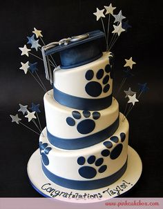 Penn State Themed Graduation Cake  I would love this for Cassi when she graduates from PSU