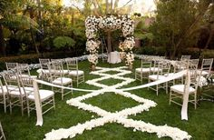 diamond wedding ceremony | rose petal aisle runner for outdoor wedding ceremonies ivory champagne