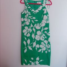 Studio one dress .....ITEM- Studio One Dress .....CONDITION- Like new. Worn once. .....STYLE- Sundress. .....COLOR- Green and white. .....SIZE- 14 .....FIT- True to size. Dresses Mini