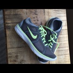 Nike Ladies Athletic Shoe Excellent condition, only worn twice, no trade, firm price Nike Shoes Athletic Shoes