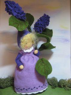 Jahreszeitentisch - ***RESERVIERT für Lisa*** Flieder-Blumenkind - ein Designerstück von Blumenkinder-Unikate bei DaWanda