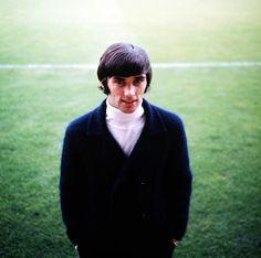 interleaning:  George Best, 1966.
