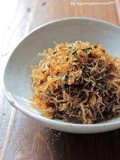 身近にあるから取り入れやすい。夏の和ハーブを使ったレシピ集   キナリノ 佃煮屋さんで見かけるちりめん山椒も、おうちの味に。ご飯に
