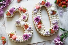 torta compleanno, torta cerimonie, torta a forma di numero Cool Birthday Cakes, 30th Birthday, Cake Lettering, 30 Cake, Cake Shapes, Number Cakes, Cupcakes, Cream Cake, Cookie Decorating