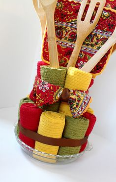 Dish towel cake...could totally put this together!!