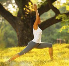Comment faire du yoga   Quelles sont les bonnes pratiques pour les  débutantes   Voici des 3b9691de68a