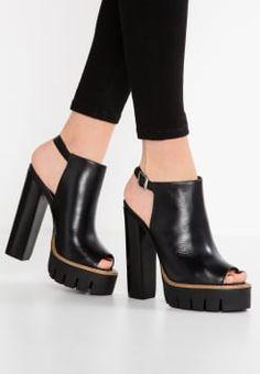 super popular f92e8 fec71 Chaussures femme   Grand choix de styles