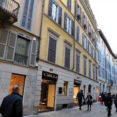 Lombardia: #Milano  #furto di abiti per 50mila euro all'atelier di Alessandro Martorana in via della... (link: http://ift.tt/2fmwHn8 )