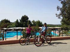 In bici al Pausania Inn Relax, Swiming Pool