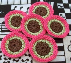 Small Circle Appliques  Set of 6 by FineThreads on Etsy