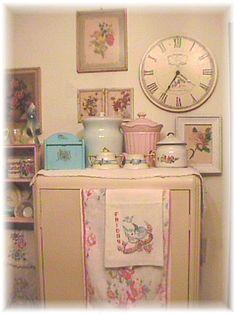 Cottage Kitchen by Bluebird Becca, via Flickr