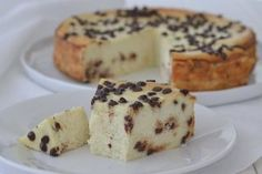 Torta cremosa alla ricotta con gocce di cioccolato - Ricetta Tutti Frutti, French Toast, Food And Drink, Pudding, Sweets, Breakfast, Desserts, Kitchen, Morning Coffee