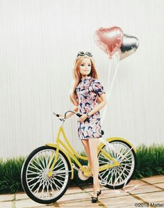 My daily dose of exercise! The grass is always greener when you're cycling in style. Barbie Life, Barbie Dream House, Barbie World, Barbie And Ken, Barbie Model, Mattel Barbie, Barbie Style, Doll Clothes Barbie, Barbie Dress