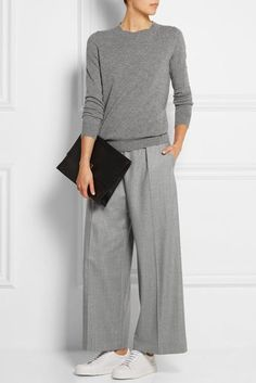 Women's fashion, casual- Edith P Mode casual pour femmes – Edith P Looks Street Style, Looks Style, Casual Looks, My Style, Trendy Style, Simple Style, Fashion Mode, Grey Fashion, Look Fashion