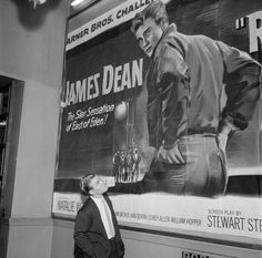 James Dean the Giant looking at an East of Eden poster James Dean Life, Corey Allen, Allen Williams, James Dean Photos, Rebel Without A Cause, He Makes Me Happy, The Searchers, Jimmy Dean, East Of Eden