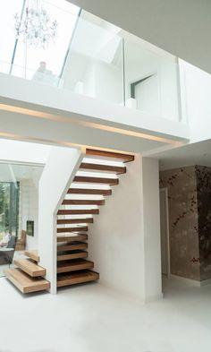 Wunderbar Offene Treppe Mit Holzdielen, Große Fenster Moderne Treppen,  Einfamilienhaus, Inneneinrichtung, Große Fenster