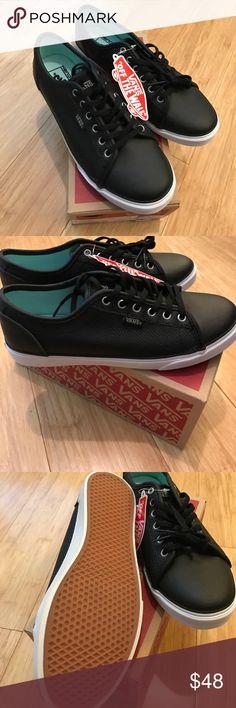⚡️ SALE!! NWT Women's Vans black sneakers NWT Women's Vans black sneakers. Rowan. Comfort ultra Cush insole. Vans Shoes Sneakers