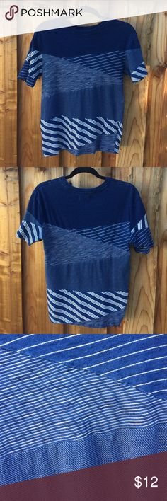 Geometric Blue Basic Tee This basic men's tee is a great staple to have in you're closet. This was only worn a couple times and is in great condition. I'm open to any reasonable offers! Zara Shirts Tees - Short Sleeve