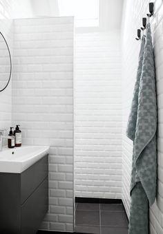 Badeværelse med subway tiles